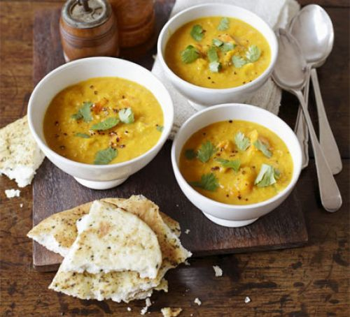 Curried squash, lentil & coconut soup