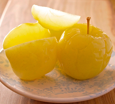 Wash apples with honey